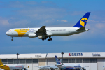 パンダさんが、成田国際空港で撮影したMIATモンゴル航空 767-3W0/ERの航空フォト(写真)