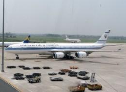 ぺペロンチさんが、ノイバイ国際空港で撮影したクウェート政府 A340-542の航空フォト(飛行機 写真・画像)