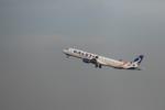 krozさんが、スカルノハッタ国際空港で撮影したカールスター・アヴィエーション ERJ-190-200 LR (ERJ-195LR)の航空フォト(写真)