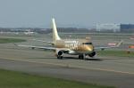 北の熊さんが、新千歳空港で撮影したフジドリームエアラインズ ERJ-170-200 (ERJ-175STD)の航空フォト(写真)
