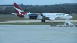 島国旅人さんが、メルボルン空港で撮影したカンタス航空 737-838の航空フォト(写真)