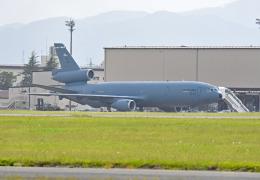 tsubasa0624さんが、横田基地で撮影したアメリカ空軍 KC-10A Extender (DC-10-30CF)の航空フォト(写真)