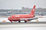 small marshさんが、新千歳空港で撮影したオーロラ 737-2J8/Advの航空フォト(写真)