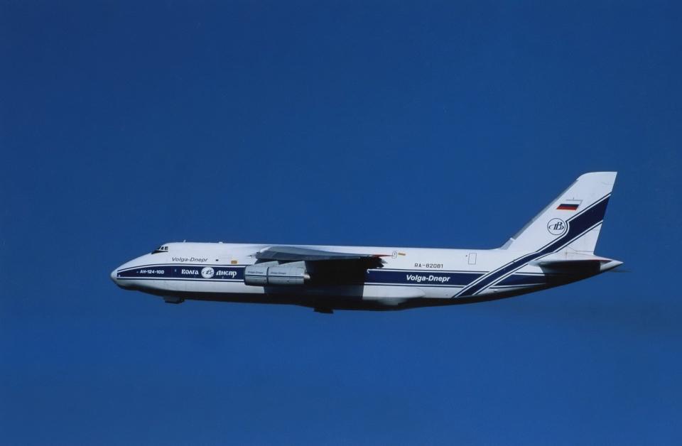 kumagorouさんのヴォルガ・ドニエプル航空 Antonov An-124 Ruslan (RA-82081) 航空フォト
