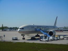 michaelさんが、ミュンヘン・フランツヨーゼフシュトラウス空港で撮影したエティハド航空 777-3FX/ERの航空フォト(飛行機 写真・画像)