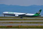 tsubasa0624さんが、関西国際空港で撮影したエバー航空 777-35E/ERの航空フォト(飛行機 写真・画像)