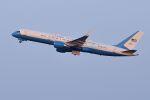 うめやしきさんが、横田基地で撮影したアメリカ空軍 757-2Q8の航空フォト(写真)