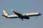 げんこつさんが、横田基地で撮影したアメリカ空軍 757-2Q8の航空フォト(写真)