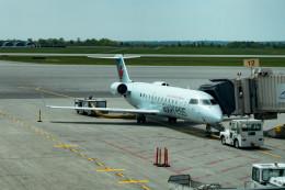 m-takagiさんが、オタワ・マクドナルド・カルティエ国際空港で撮影したエア・カナダ ジャズ CL-600-2B19 Regional Jet CRJ-200LRの航空フォト(飛行機 写真・画像)
