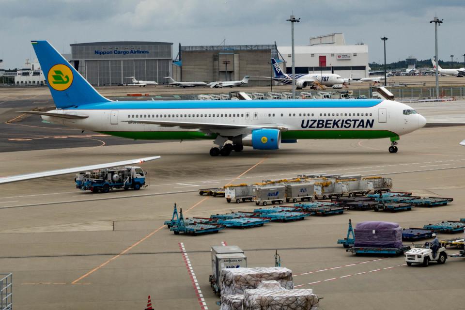 m-takagiさんのウズベキスタン航空 Boeing 767-300 (UK67006) 航空フォト