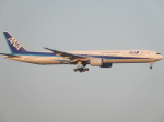 BeyondWorksさんが、羽田空港で撮影した全日空 777-381の航空フォト(写真)