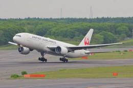 YASKYさんが、新千歳空港で撮影した日本航空 777-246の航空フォト(飛行機 写真・画像)