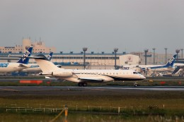 T.Sazenさんが、成田国際空港で撮影したPrivate BD-700-1A10 Global Expressの航空フォト(写真)