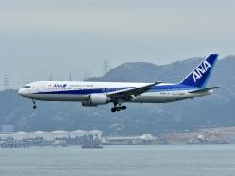 えるあ~るさんが、香港国際空港で撮影した全日空 767-381/ERの航空フォト(飛行機 写真・画像)