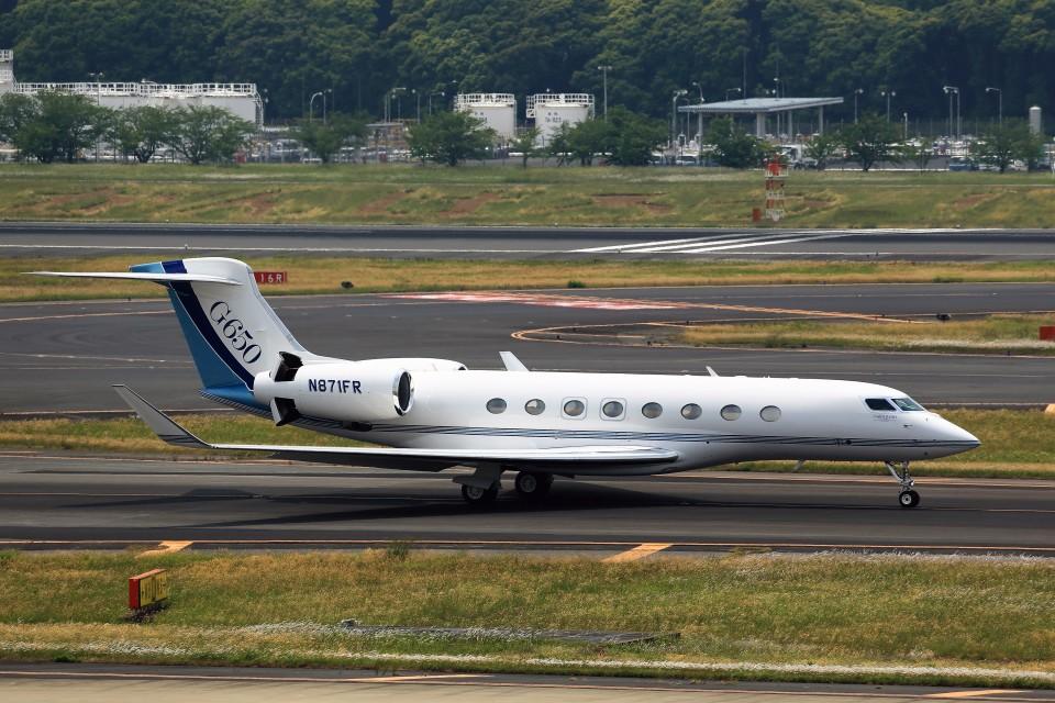 T.Sazenさんのウィルミントン・トラスト・カンパニー Gulfstream Aerospace G650 (G-VI) (N871FR) 航空フォト