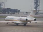 JA8037さんが、香港国際空港で撮影したイーグルエクスプレス・エア BD-700-1A10 Global 6000の航空フォト(写真)