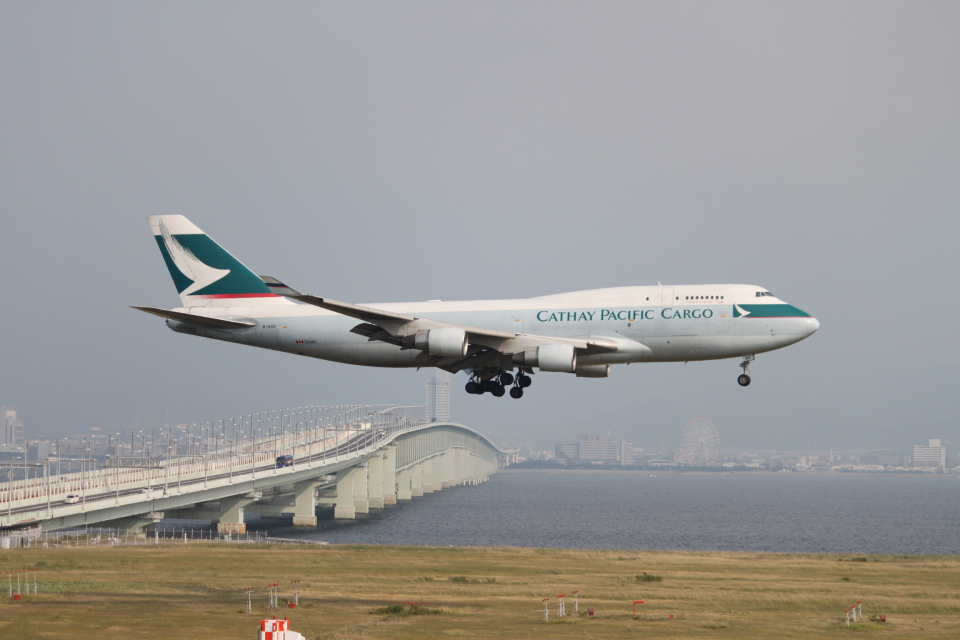 職業旅人さんのキャセイパシフィック航空 Boeing 747-400 (B-KAE) 航空フォト