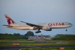matatabiさんが、成田国際空港で撮影したカタール航空 777-2DZ/LRの航空フォト(写真)
