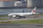 ANA744Foreverさんが、羽田空港で撮影した日本航空 777-246/ERの航空フォト(写真)