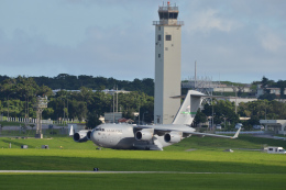 kon chanさんが、嘉手納飛行場で撮影したアメリカ空軍 C-17A Globemaster IIIの航空フォト(飛行機 写真・画像)
