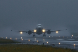 RUNDY!さんが、伊丹空港で撮影したANAウイングス 737-54Kの航空フォト(飛行機 写真・画像)