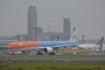 LEGACY-747さんが、成田国際空港で撮影したKLMオランダ航空 777-306/ERの航空フォト(写真)