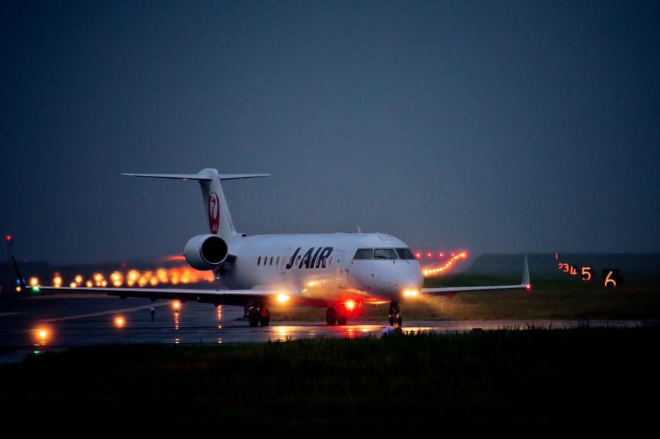 カヤノユウイチさんのジェイエア Bombardier CRJ-200 (JA206J) 航空フォト