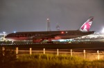 kamerajiijiさんが、成田国際空港で撮影したカタール航空 777-2DZ/LRの航空フォト(写真)