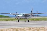 tsubasa0624さんが、下地島空港で撮影した学校法人ヒラタ学園 航空事業本部 208B Caravan Iの航空フォト(写真)
