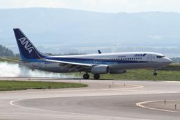 みゆゆさんが、旭川空港で撮影した全日空 737-881の航空フォト(飛行機 写真・画像)
