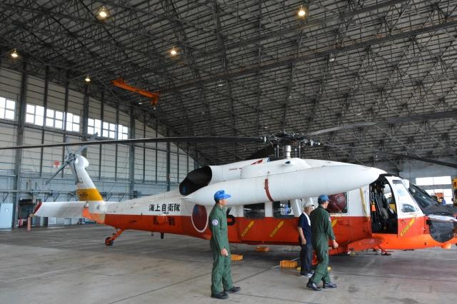 海上自衛隊 Mitsubishi UH-60J 8...