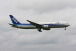 tombowさんが、成田国際空港で撮影した全日空 767-381/ERの航空フォト(写真)