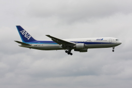 tombowさんが、成田国際空港で撮影した全日空 767-381/ERの航空フォト(飛行機 写真・画像)