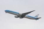 山河 彩さんが、関西国際空港で撮影したKLMオランダ航空 777-306/ERの航空フォト(飛行機 写真・画像)