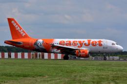 だいせんさんが、ロンドン・スタンステッド空港で撮影したイージージェット A319-111の航空フォト(飛行機 写真・画像)