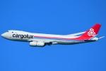 RUSSIANSKIさんが、シンガポール・チャンギ国際空港で撮影したカーゴルクス 747-8R7F/SCDの航空フォト(写真)