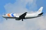 RUSSIANSKIさんが、シンガポール・チャンギ国際空港で撮影したマイ・インド・エアラインズ 737-347(SF)の航空フォト(飛行機 写真・画像)