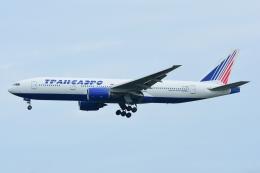 RUSSIANSKIさんが、シンガポール・チャンギ国際空港で撮影したトランスアエロ航空 777-212/ERの航空フォト(写真)