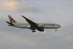 しかばねさんが、成田国際空港で撮影したカタール航空 777-2DZ/LRの航空フォト(写真)