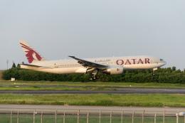 ぎんじろーさんが、成田国際空港で撮影したカタール航空 777-2DZ/LRの航空フォト(飛行機 写真・画像)