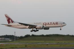 気分屋さんが、成田国際空港で撮影したカタール航空 777-2DZ/LRの航空フォト(飛行機 写真・画像)
