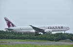 こむぎさんが、成田国際空港で撮影したカタール航空 777-2DZ/LRの航空フォト(写真)