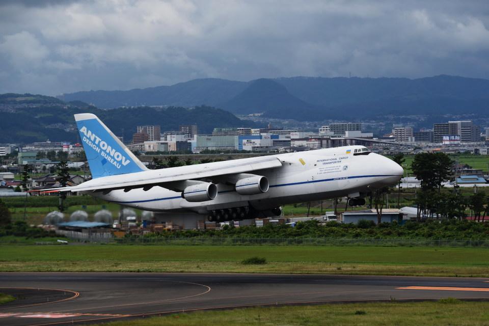 kumagorouさんのアントノフ・エアラインズ Antonov An-124 Ruslan (UR-82072) 航空フォト
