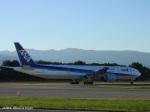 yusuke@HNDさんが、ジュネーヴ・コアントラン国際空港で撮影した全日空 777-381/ERの航空フォト(写真)