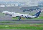 じーく。さんが、羽田空港で撮影した中国東方航空 A330-243の航空フォト(飛行機 写真・画像)