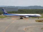 アイスコーヒーさんが、新千歳空港で撮影した全日空 777-381の航空フォト(写真)