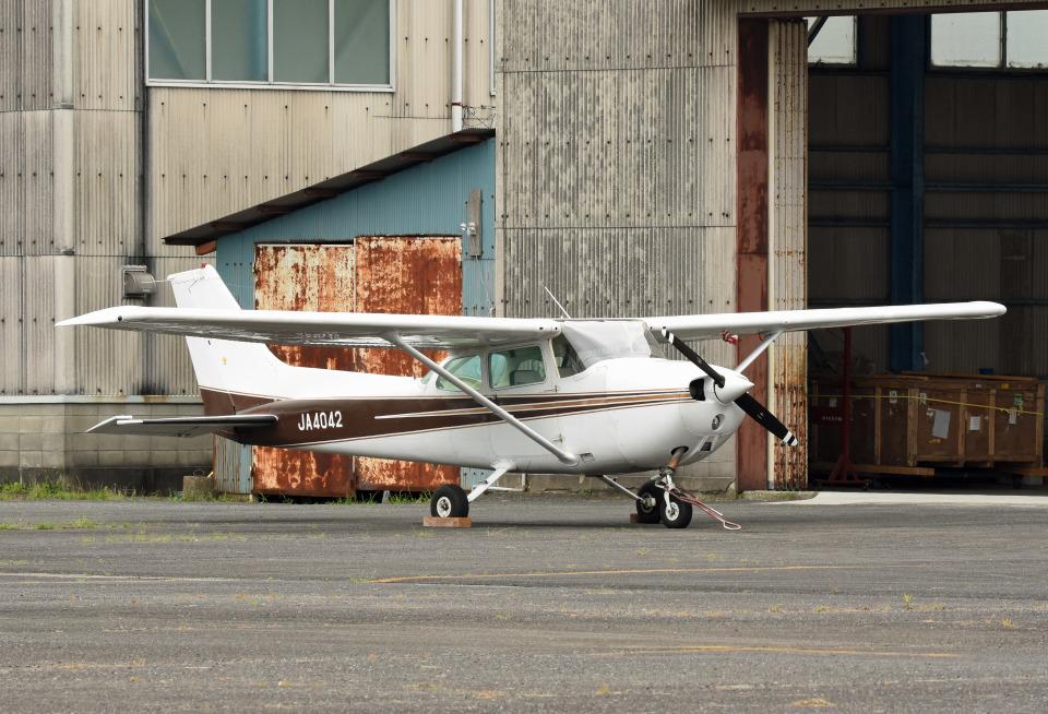 tsubasa0624さんの新中央航空 Cessna 172 (JA4042) 航空フォト