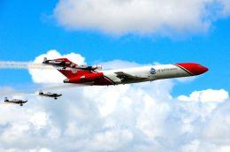 まいけるさんが、ファンボロー空港で撮影したT2アヴィエーション 727-2S2F/Adv(RE) Super 27の航空フォト(写真)