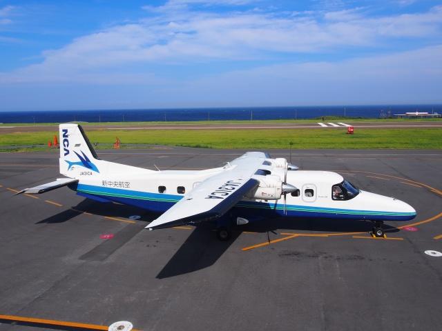 tokadaさんが、三宅島空港で撮影した新中央航空 228-212の航空フォト(飛行機 写真・画像)
