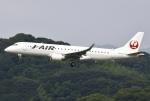 あしゅーさんが、福岡空港で撮影したジェイ・エア ERJ-190-100(ERJ-190STD)の航空フォト(飛行機 写真・画像)